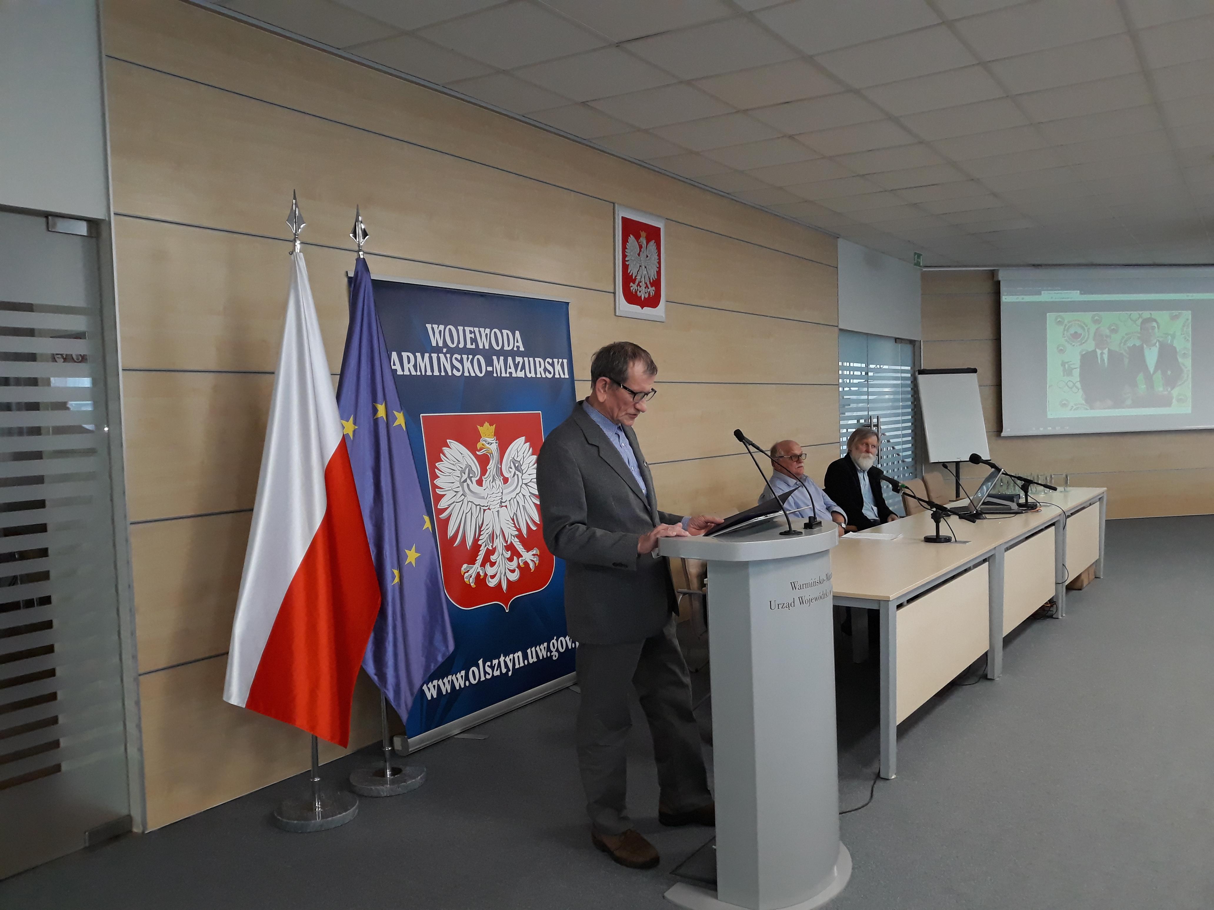 Pełnomocnik Wojewody Warmińsko-Mazurskiego p. Władysław Kałudziński odczytał list p. Artura Chojeckiego do strzelców sportowych